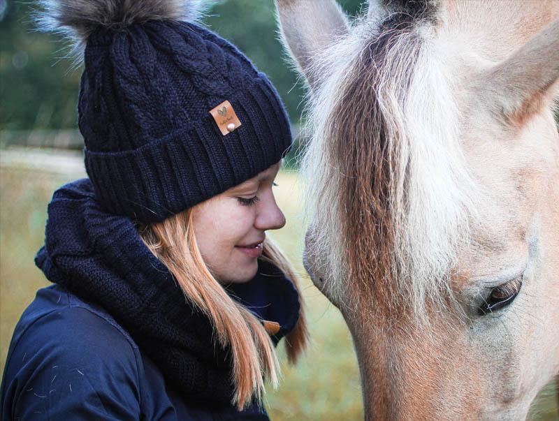 Sophie_Kunterbunt_Loop_Schal_Equestrian_Navy5